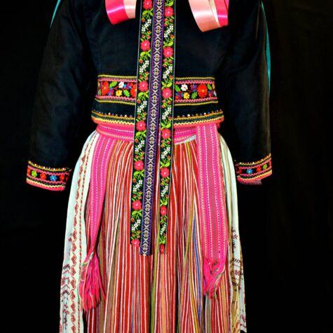 Yavoriv outfit